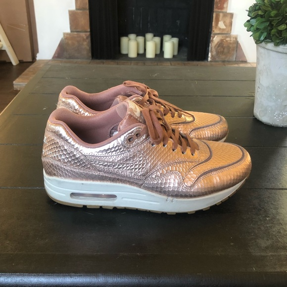 air max one rose gold